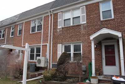 Fresh Meadows Single Family Home For Sale: 75-39 168 St