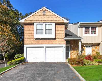 Syosset Condo/Townhouse For Sale: 30 The Mews