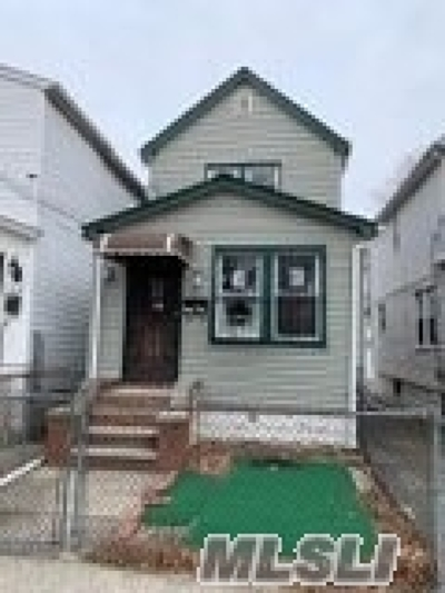 Jamaica Single Family Home For Sale: 119-11 146th St