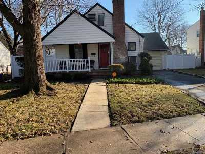 Baldwin Single Family Home For Sale: 1359 Exeter St