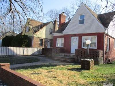 Hempstead Single Family Home For Sale: 106 W Marshall St