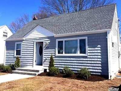 Uniondale Single Family Home For Sale: 937 Uniondale Ave