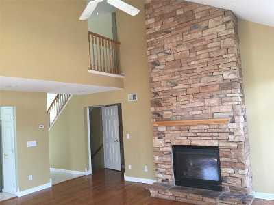 Pt.jefferson Sta Condo/Townhouse For Sale