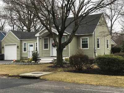 Huntington Single Family Home For Sale: 172 W 21st St