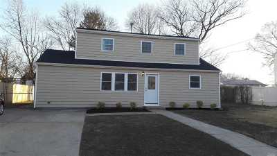 central Islip Single Family Home For Sale: 48 Ash St
