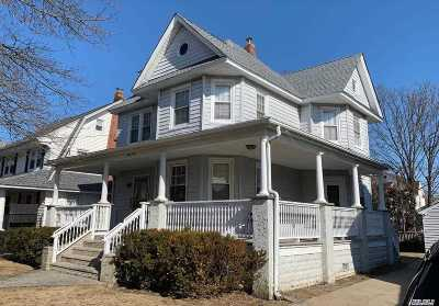 Lynbrook Single Family Home For Sale: 69 Oakland Ave