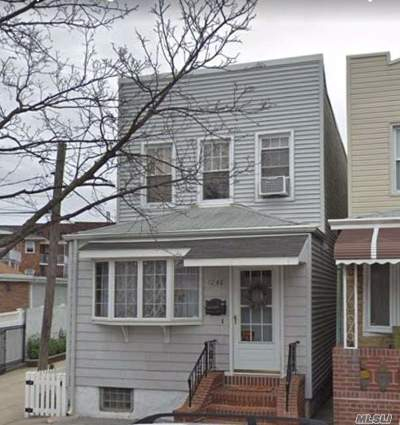 Middle Village Single Family Home For Sale: 72-48 66th Dr