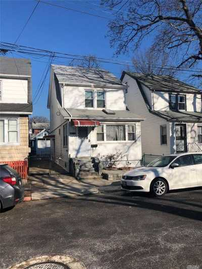 Fresh Meadows Single Family Home For Sale: 165-11 78th Ave