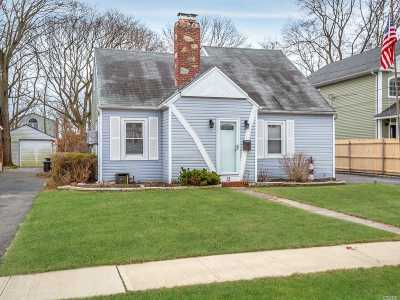 Islip Terrace Single Family Home For Sale: 12 Irving Pl