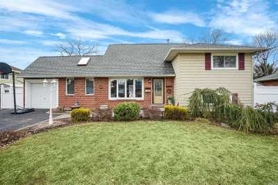 Commack Single Family Home For Sale: 5 John Pl