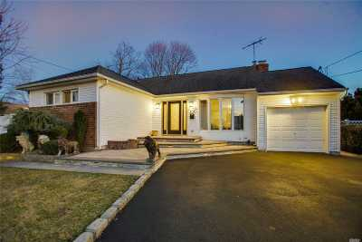 East Meadow Single Family Home For Sale: 1774 Gerose Ct