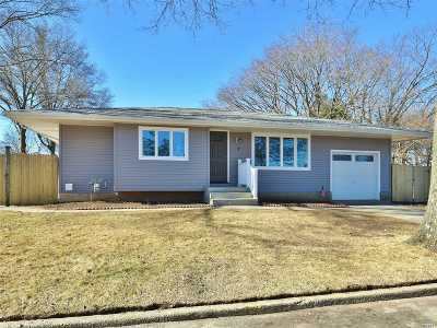Commack Single Family Home For Sale: 1 Sugarwood Ln