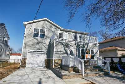 W. Hempstead Single Family Home For Sale: 90 Pinebrook Ave