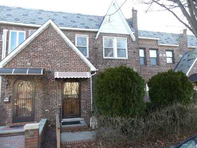 Middle Village Single Family Home For Sale: 64-20 83rd St