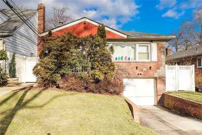 Bayside Single Family Home For Sale: 212-15 64th Ave