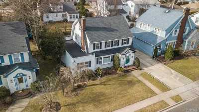 Rockville Centre Single Family Home For Sale: 138 Vernon Ave