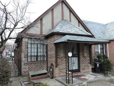 Middle Village Single Family Home For Sale: 64-40 84th Pl