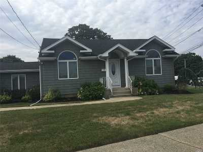 N. Babylon Single Family Home For Sale: 4 Parkdale Dr