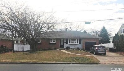 E. Northport Single Family Home For Sale: 36 Grover Ln