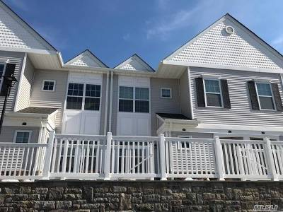 Seaford Condo/Townhouse For Sale: 67 Spring Dr