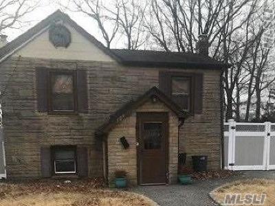 Copiague Single Family Home For Sale: 329 Lafayette St