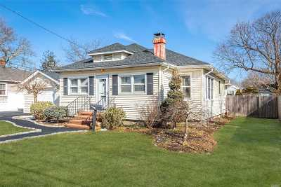 Sayville Single Family Home For Sale: 75 Willett Ave