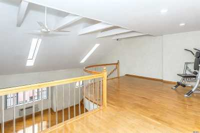 Long Beach NY Condo/Townhouse For Sale: $499,999