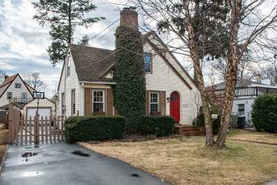 Wantagh Single Family Home For Sale: 3208 Poplar Pl