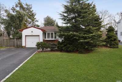 Kings Park Single Family Home For Sale: 16 Ellen Pl