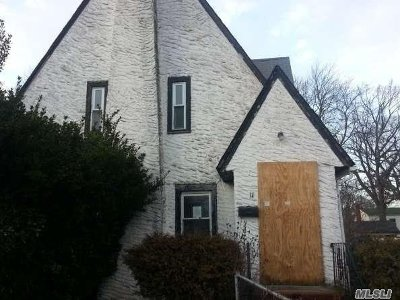 W. Hempstead Single Family Home For Sale: 11 Hopatcong Ave