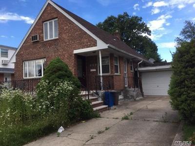 Flushing Single Family Home For Sale: 40-25 Utopia Pky