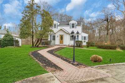 Smithtown Single Family Home For Sale: 161a Brooksite Dr