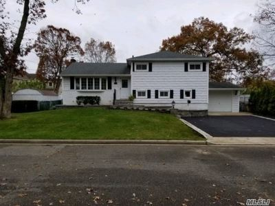 N. Massapequa Single Family Home For Sale: 103 John St