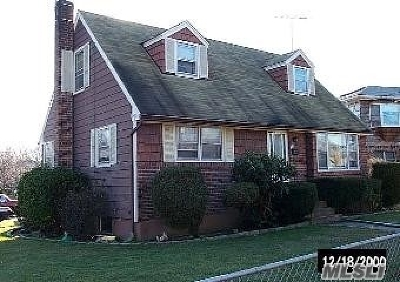 Rockville Centre Single Family Home For Sale: 395 Pershing Blvd