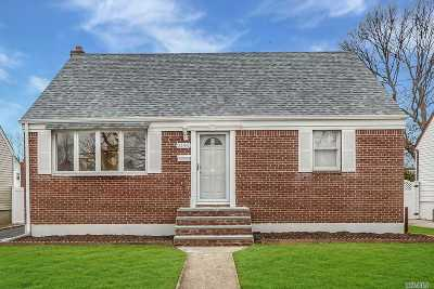 Wantagh Single Family Home For Sale: 2146 Pine St