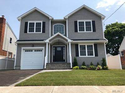 Bellmore Single Family Home For Sale: 107 Soifer Ave