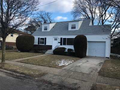 Farmingdale Single Family Home For Sale: 891 S Main St