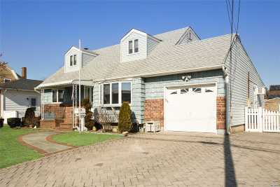 Massapequa Single Family Home For Sale: 215 N Richmond Ave