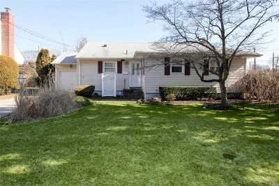 Syosset Single Family Home For Sale: 2 1st St