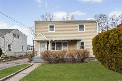 Roosevelt Single Family Home For Sale: 13 Wagner Ave