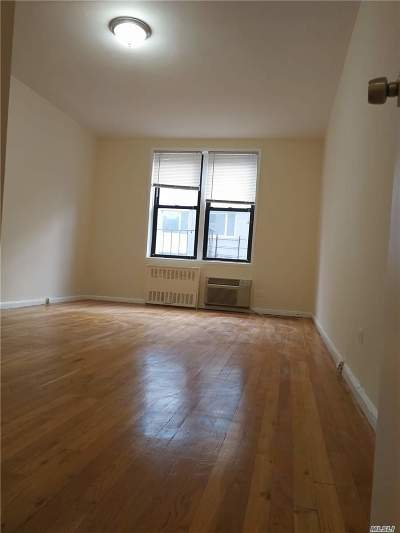 Rego Park Condo/Townhouse For Sale: 65-50 Wetherole St
