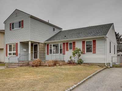 East Meadow Single Family Home For Sale: 1951 Longfellow Ave