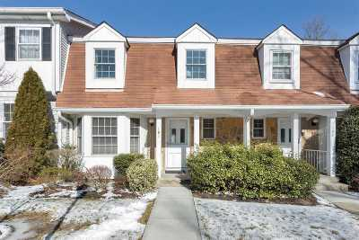 Syosset Condo/Townhouse For Sale: 181 Fen Way