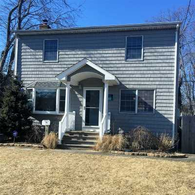 Single Family Home Sold: 106 Pine Neck Ave
