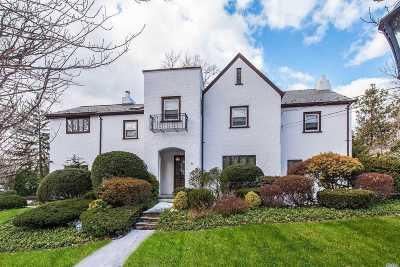 Great Neck NY Single Family Home For Sale: $1,798,000