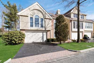 Smithtown Condo/Townhouse For Sale: 9 Willow Ridge Dr