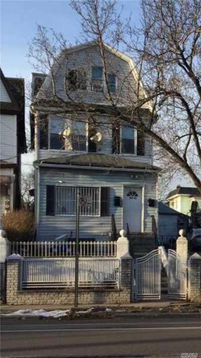 Corona Multi Family Home For Sale: 109-09/11 34 Ave