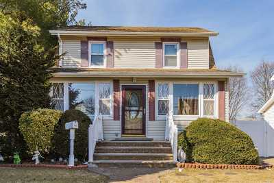 Bellmore Single Family Home For Sale: 108 Chapman Ave
