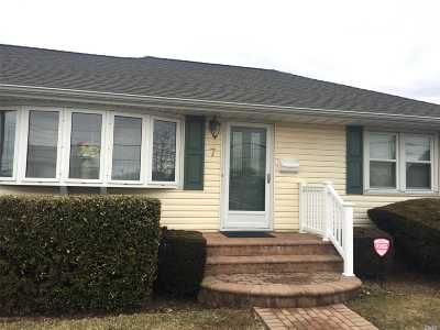 Nassau County Single Family Home For Sale: 7 Cherry Ave