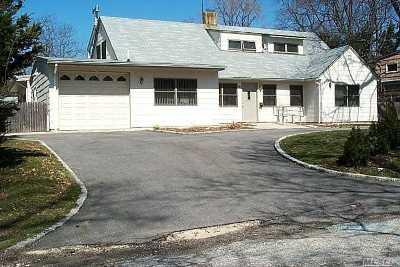 Roslyn Single Family Home For Sale: 7 E Ridge Dr